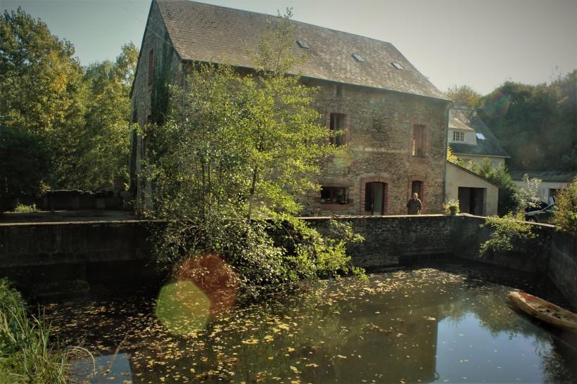 Moulin de la Roche, le bief