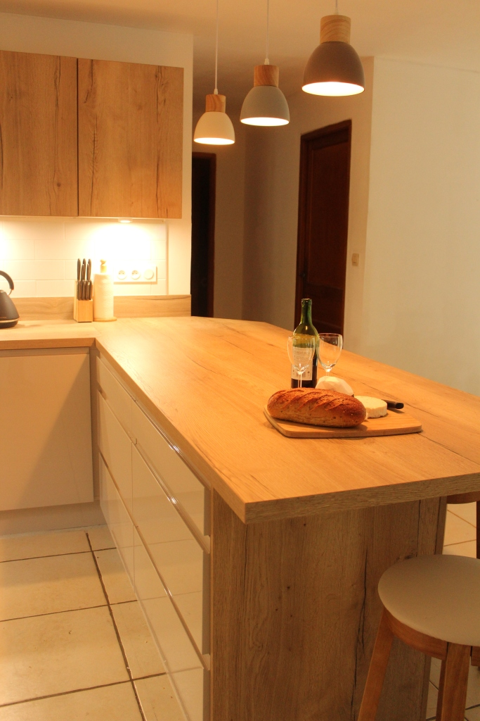 breakfast bar with drawer units